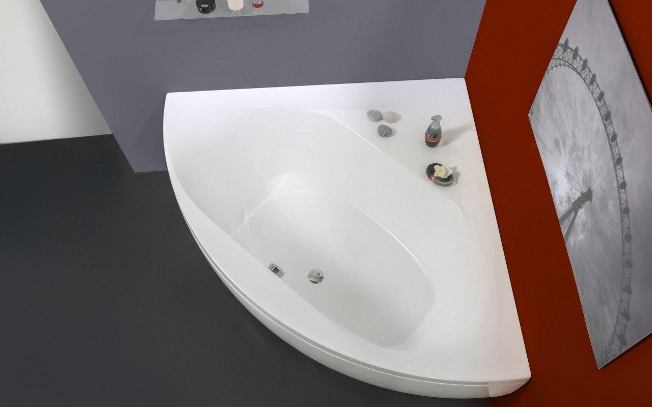 Aquatica Olivia-Wht Small Corner Acrylic Bathtub picture № 0