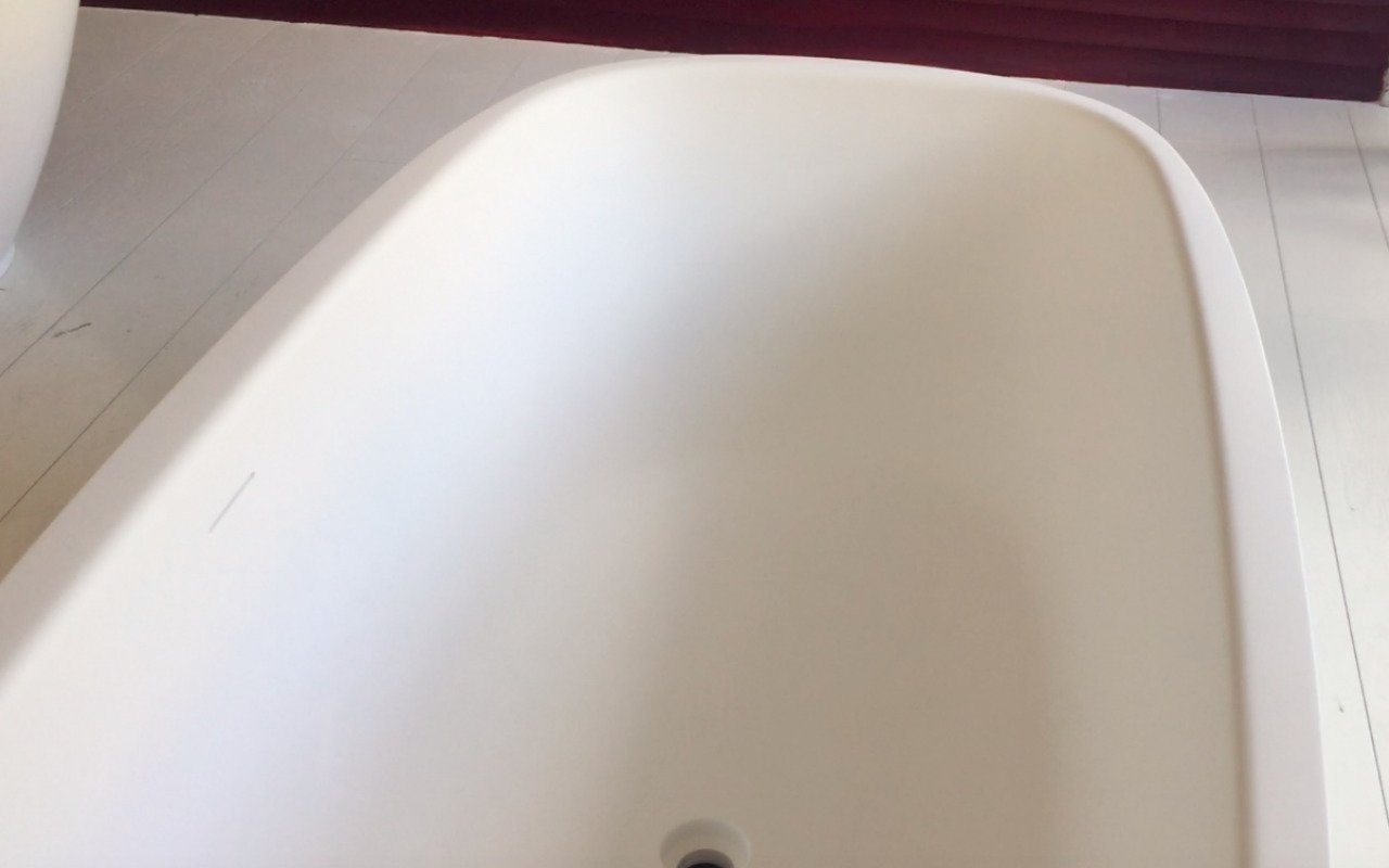 Aquatica Coletta White Freestanding Solid Surface Bathtub 49 3 (web)